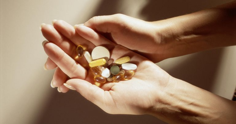 What are the common ingredients of anti-aging supplements?